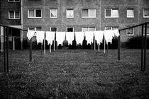 Unterwäsche macht Leute by Jing Zhou