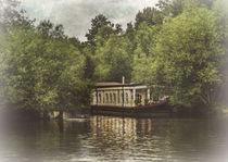 College Barge Near Iffley von Ian Lewis