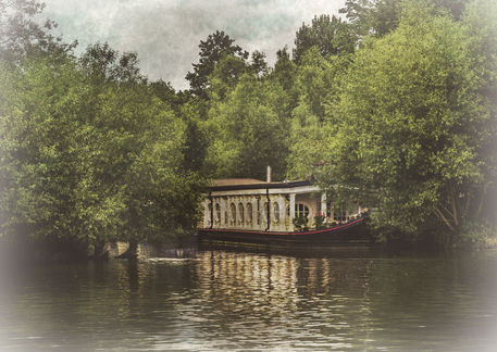 Iffley-college-barge-wv