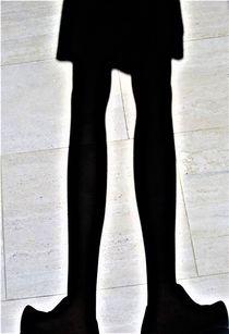 Schattenbild.. Beine und Holzschuhe von assy