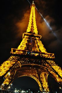 Eiffel Tower lights by Anna Zamorska