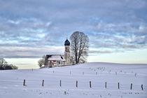 Kirche im Winter - Bayern von Peter Bergmann