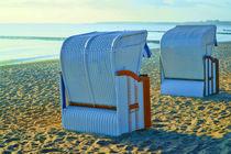Strandkörbe am Ostseestrand - Beach chairs on the Baltic Sea beach von Thomas Klee