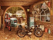 Nostalgie-Werkstatt mit Traktor und Motorrad von Monika Juengling