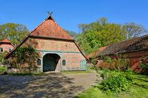Bauernhof in der Lüneburger Heide by gscheffbuch