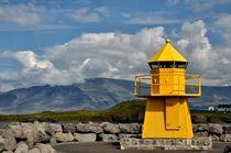 Gelber Leuchtturm by Iris Heuer
