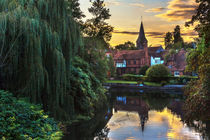 'Early Evening At Whitchurch on Thames' von Ian Lewis