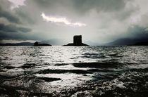 Storm weather. Castle Stalker on Loch Linnhe von David Lyons