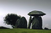 Pentre Ifan ancient Dolmen. Wales von David Lyons