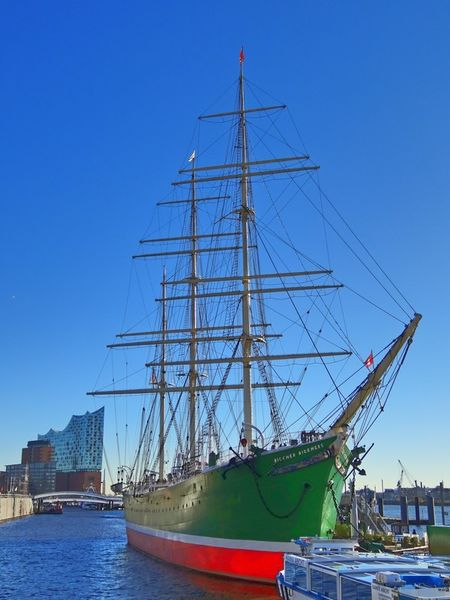 Segelschiff-in-hamburg