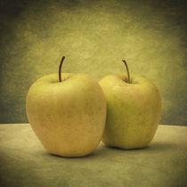 Apples by zapista