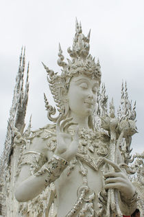 Thailandia,  White temple in  Chiang Rai by Tricia Rabanal