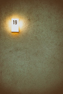 Hausnummer by Bastian  Kienitz