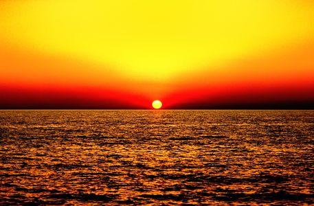 Sunset-over-sea-01h-16