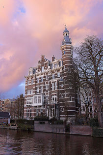 Beautiful building. Amsterdam. von Galina Solonova