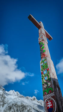 The Cross. Symbolic cemetery in the High Tatras, Slovakia von Tomas Gregor