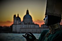 Carnevale di Venezia 2018 - Sonnenuntergang vor Santa Maria della Salute von wandernd-photography