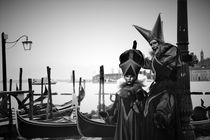 Karneval in Venedig 2018 - black and white by wandernd-photography