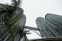 Die Petronas-Twintowers in Kuala-Lumpur von Hartmut Binder