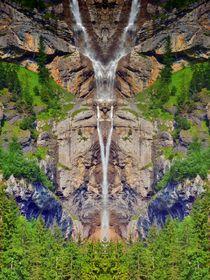 Wasserfall in den Alpen von kattobello