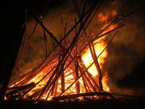 Wärmt euch am Feuer! von Claudia von der Lippe