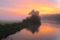 Nebel und erstes Sonnenlicht von Bernhard Kaiser