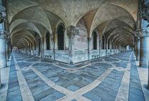 Venice 445618 von Mario Fichtner