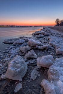 Eisschollen an der Elbe von photobiahamburg