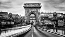 Action auf der Kettenbrücke by foto-m-design