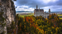 Schloss Neuschwanstein im Herbst von Klaus Tetzner