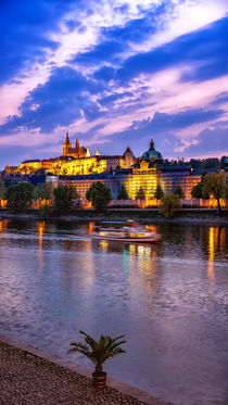Prague Castle after sunset, Czech Republic von Tomas Gregor