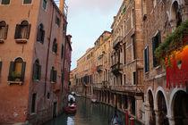 // Venedig - Kanal bei Sonnenuntergang // by Moritz Sewald