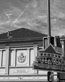 Altes Casino auf dem Weg zur Weißen Flotte in Mülheim von Peter Hebgen