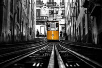 The tram by Jorge Maia