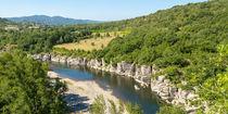Blick auf den Fluss Ardèche im Süden Frankreichs in dem Départment Ardèche 1 von Thomas Klee