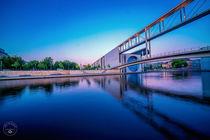 Spiegelung der Marie-Elisabeth-Lüdders Brücke von Oliver Hey