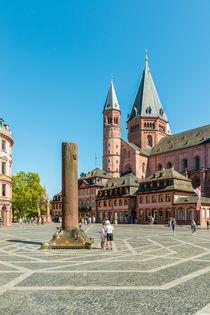 Marktplatz Mainz 52 by Erhard Hess