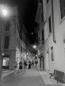 Italian Girls on their way through the night von Renate Dienersberger