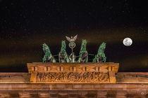 Quadriga mit Mond und Sternenhimmel von Oliver Hey