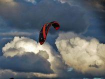 Cielo tormentoso con paracaídas von Ricardo De Luca