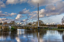Footbridge Over The Thames At Reading by Ian Lewis