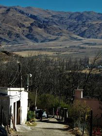 Calle de Tafí del Valle (Argentina) von Ricardo De Luca