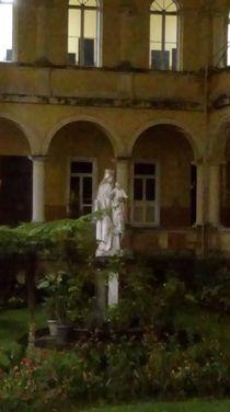 Statue von Talita Muniz