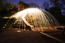 Spielplatz bei Nacht von Nadine Berlin