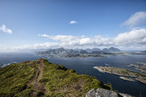Shot from a mountain in Vestvagoy,Lofoten, called Mt. Middagstinden. von Stein Liland