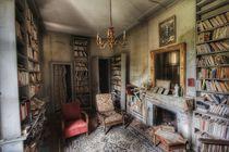 Red armchair  von Susanne  Mauz