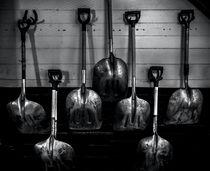 Stable Shovels von James Aiken