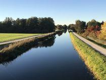 Alter Kanal im Herbst - Ruhe - Kraft by Stefan Wehmeyer