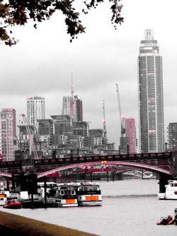 London-vauxhall-bridge