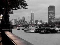 London-Dämmerung an der Themse von Caro Rhombus van Ruit